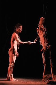 東京戯園館「恐怖の恋」過去公演より。(c)康欣和