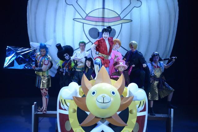 「スーパー歌舞伎II(セカンド)『ワンピース』」公開舞台稽古より、麦わら海賊団。
