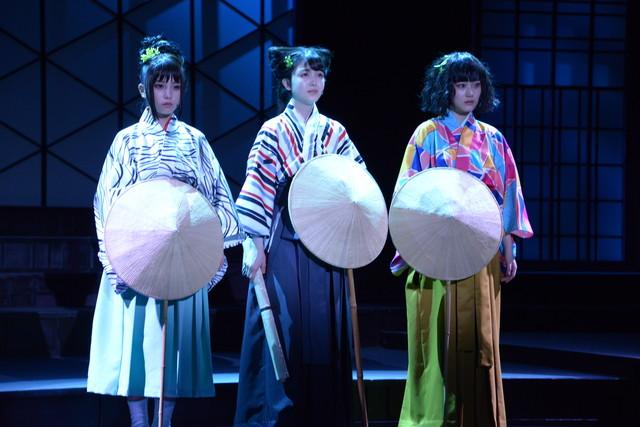 左から久遠役の与田祐希、汐寝役の久保史緒里、沙霧役の山下美月。