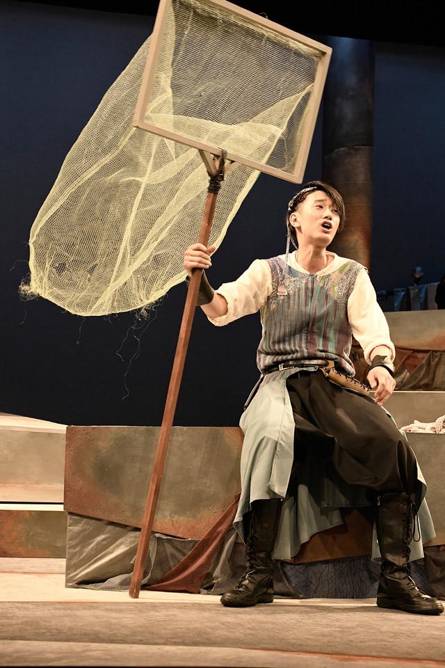 クロジ第16回公演「銀の国 金の歌」より。江口拓也演じる槌谷。