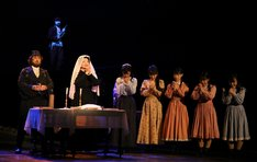 ミュージカル「屋根の上のヴァイオリン弾き」より。(写真提供:東宝演劇部)
