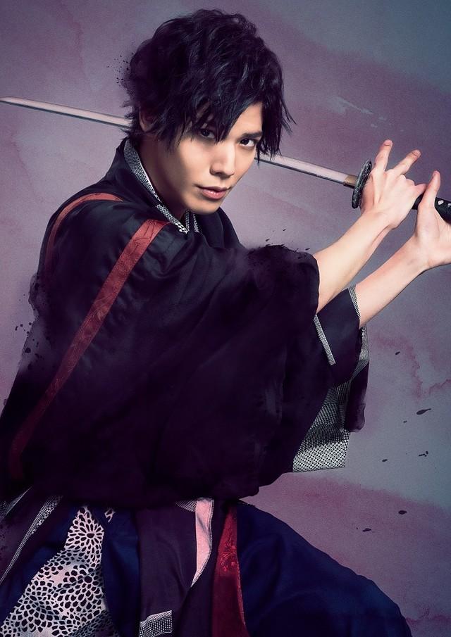健人演じる横倉甚五郎。