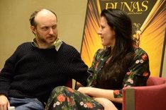 「DUNAS-ドゥナス-」合同取材会より。左からシディ・ラルビ・シェルカウイ、マリア・パヘス。