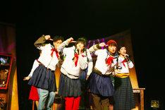 OFFICE SHIKA REBORN「パレード旅団」より。(撮影:和田咲子)