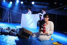 2014年上演の劇団しようよ「パフ」より。(撮影:末山孝如)