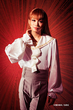 三津谷亮演じるロビー少尉。