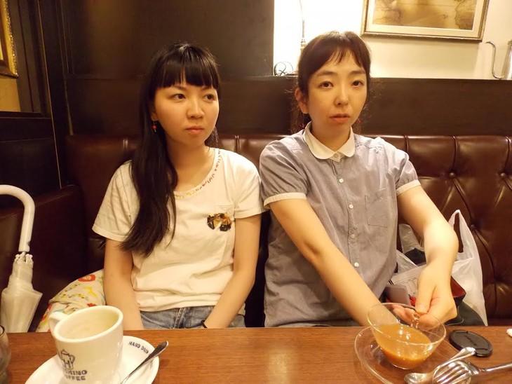 シガール姉妹。左から椎橋綾那、宮部純子。