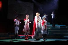 「イケメン革命◆アリスと恋の魔法 THE STAGE Episode 黒のエース フェンリル=ゴッドスピード」より。