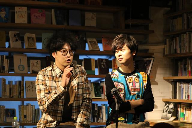 左から今井隆文、橋本淳。