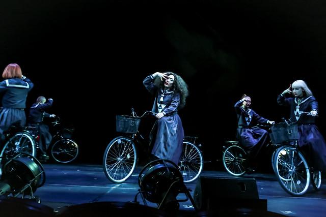 「キテレツメンタルワールド『東京ゲゲゲイ歌劇団 Vol.II』」ゲネプロより。(photo by ARISAK)
