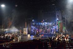 KAAT神奈川芸術劇場プロデュース「三文オペラ」フォトコールより。