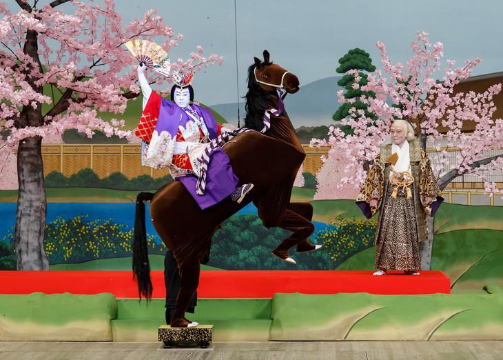 「国立劇場初春歌舞伎 通し狂言『世界花小栗判官(せかいのはなおぐりはんがん)』」より。