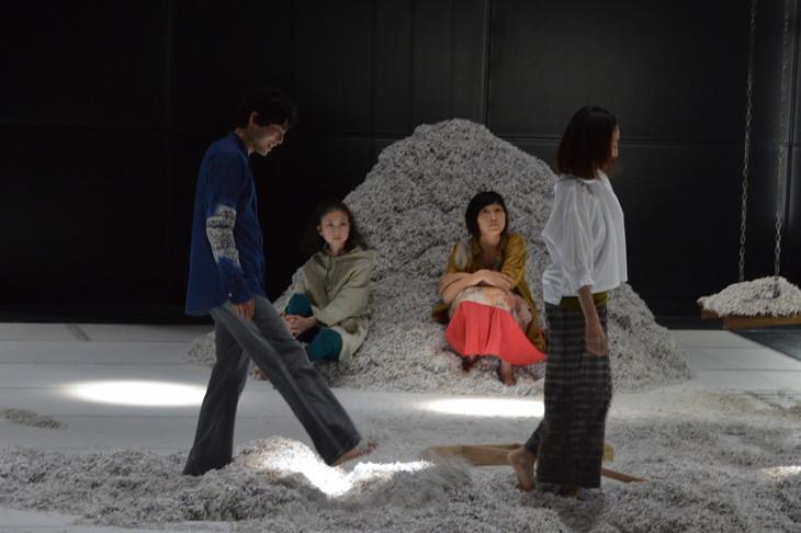 第16回AAF戯曲賞受賞記念公演「それからの街」より。(c)松原豊