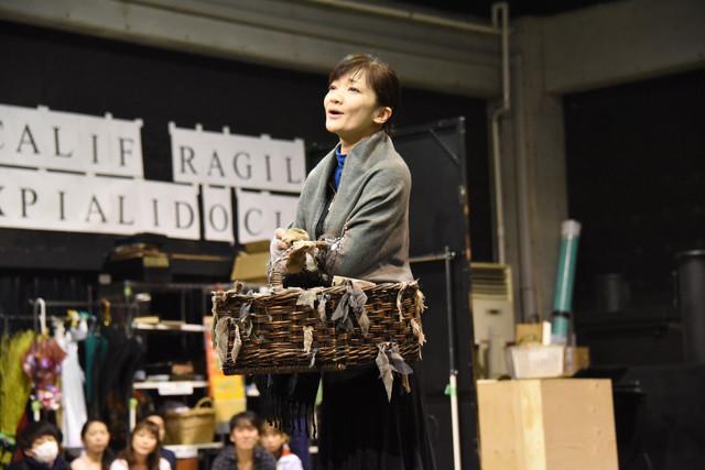 ミュージカル「メリー・ポピンズ」稽古公開より、島田歌穂。