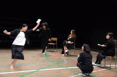 演劇引力廣島 第15回プロデュース公演「昼下がりの思春期たちは漂う狼のようだ」より。