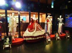 「宝塚歌劇 衣装・パネル展 2018」の展示イメージ。