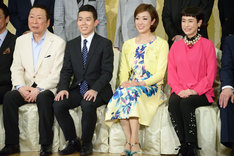 左から石倉三郎、藤山扇治郎、北翔海莉、久本雅美。