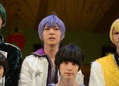 舞台「おそ松さん on STAGE ~SIX MEN'S SHOW TIME 2~」囲み取材より、一松(F6)役の安里勇哉。