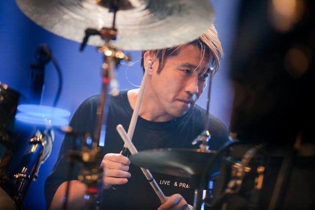一瀬正和(Dr / MONOEYES)(Photo by Viola Kam [V'z Twinkle])