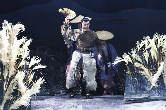 「修羅天魔~髑髏城の七人 Season極」より。(撮影:田中亜紀)