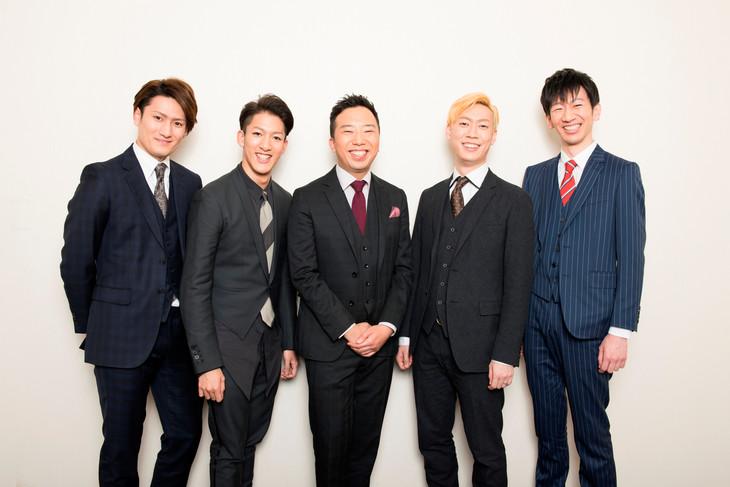 「スーパー歌舞伎II(セカンド)『ワンピース』」出演者。左から中村隼人、尾上右近、市川猿之助、坂東巳之助、坂東新悟。