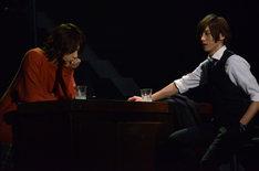 「御茶ノ水ロック-THE LIVE STAGE-」ゲネプロより。左から佐藤流司演じる片山始、染谷俊之演じる片山亮。