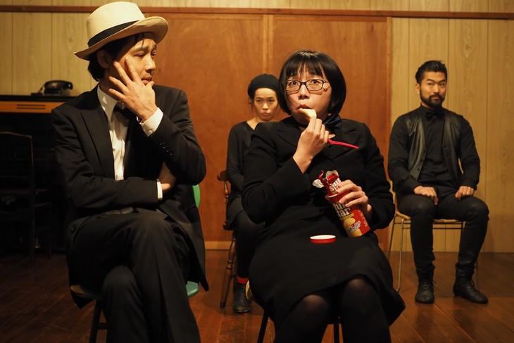 財団、江本純子vol.10+Theater箱舟「あなたはわたしのシネマなの」より。(撮影:小豆島カメラ)