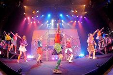 劇団アカズノマ旗揚げ公演「露出狂」の様子。(撮影:堀川高志 / kutowans studio)