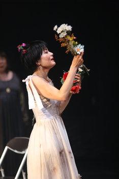カクシンハン 第12回公演「ハムレット」より。(撮影:滝沢たきお)