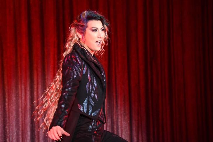 宝塚歌劇月組「ミュージカル『エリザベート―愛と死の輪舞(ロンド)―』」制作発表会より、珠城りょう演じるトート。