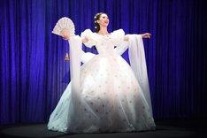 宝塚歌劇月組「ミュージカル『エリザベート―愛と死の輪舞(ロンド)―』」制作発表会より、愛希れいか演じるエリザベート。