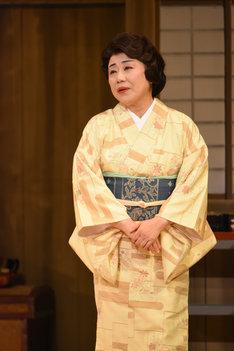 2016年上演の「笑う門には福来たる ~女興行師 吉本せい~」より。藤山直美演じる吉本せい。