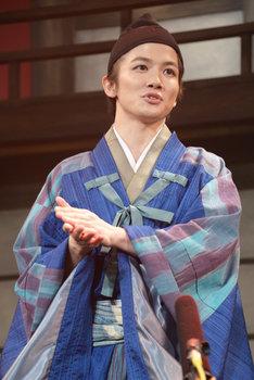 浅井長政役の小西成弥。