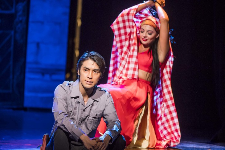 THE HIT OPERA SHOW「TRIOPERAS」より。(photo:Tristram Kenton)