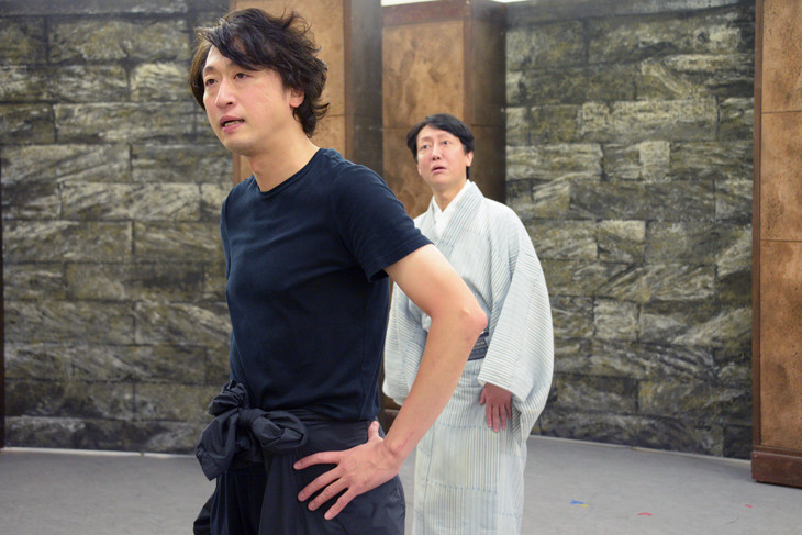 「黒蜥蜴―全美版―」稽古の様子。手前から喜多村緑郎、河合雪之丞。