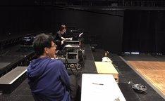 KAAT×地点 共同制作第8弾「山山」稽古場にて、プランナーとの対話により、音響について決めていく。