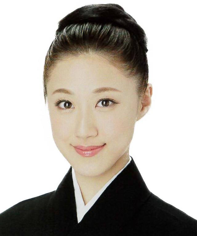 仙名彩世(c)宝塚歌劇団