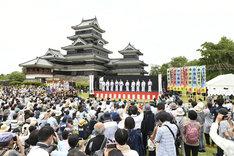 「信州・まつもと大歌舞伎」より「松本城 市民ふれあい座」の様子。