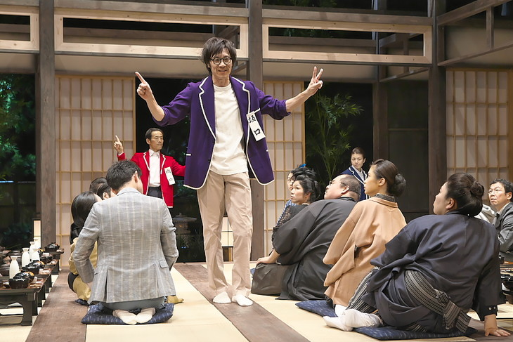 青年団 第79回公演「日本文学盛衰史」より。(撮影:青木司)