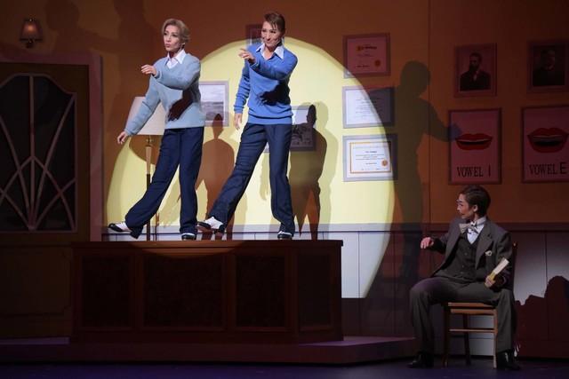 宝塚歌劇月組「ミュージカル『雨に唄えば』」通し舞台稽古より。