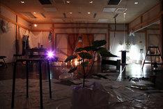 急な坂スタジオで行われた制作の様子。