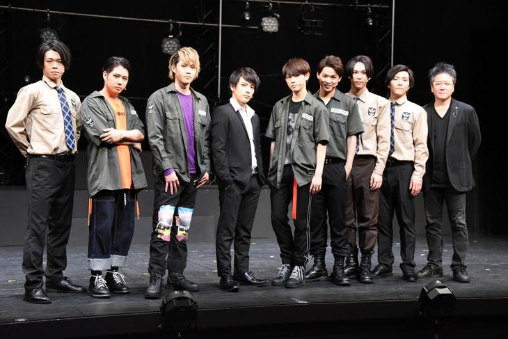 左から今井稜、SHUN、碕理人、米原幸佑、カラム、加藤良輔、三浦海里、矢内康洋、錦織一清。