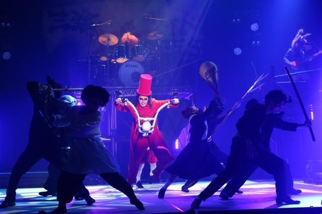 劇団鹿殺し ストロングスタイル歌劇「俺の骨をあげる」より。