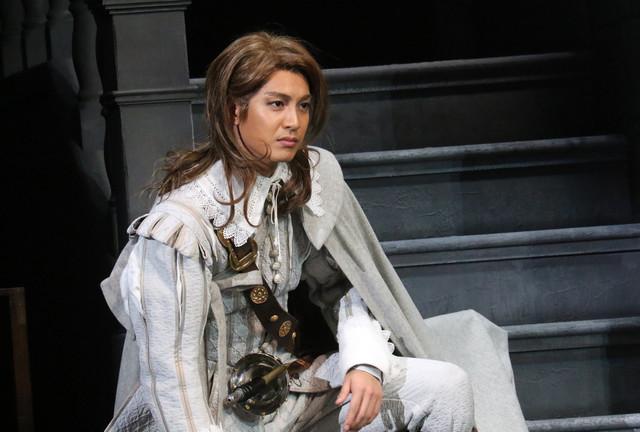 「シラノ・ド・ベルジュラック」より、大野拓朗演じるクリスチャン。(写真提供:東宝演劇部)