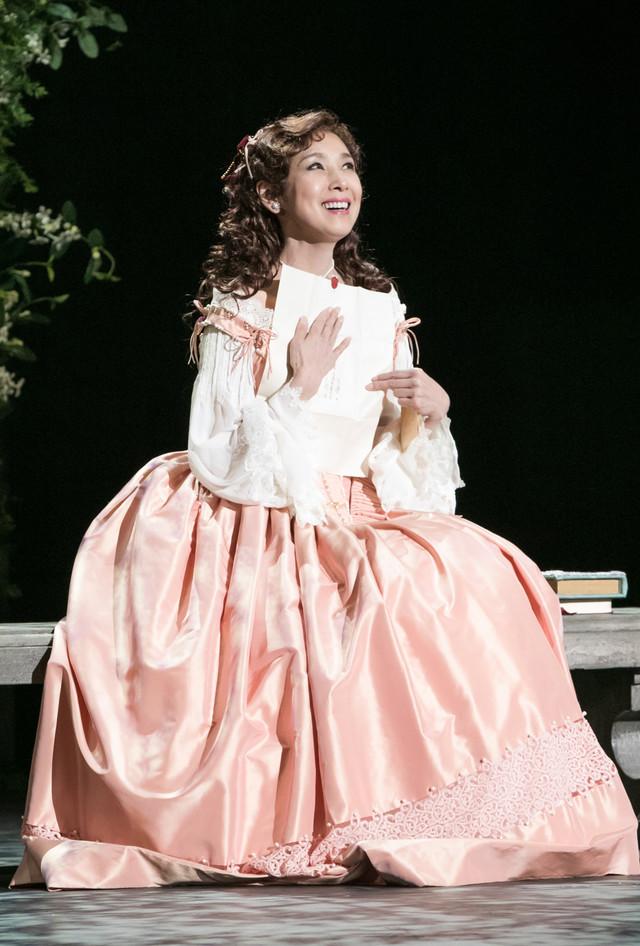 「シラノ・ド・ベルジュラック」より、黒木瞳演じるロクサーヌ。(写真提供:東宝演劇部)