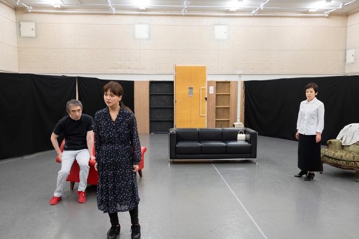 シス・カンパニー公演「出口なし」稽古場の様子。