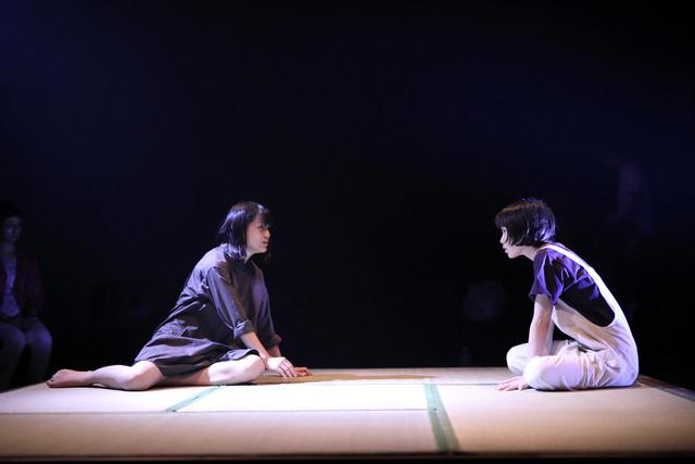 チーズtheater「川辺月子のために」より。(撮影:伊藤星児)