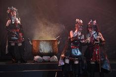 ルーペのPRをする魔女たち(高田聖子、村木よし子、保坂エマ)。