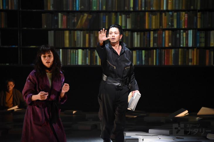 KAAT神奈川芸術劇場プロデュース「華氏451度」ゲネプロより。