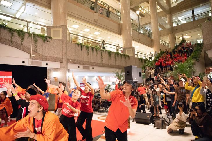 「Dance Dance Dance @ YOKOHAMA 2018」のフィナーレスペシャルプログラムの様子。(c)oono ryusuke